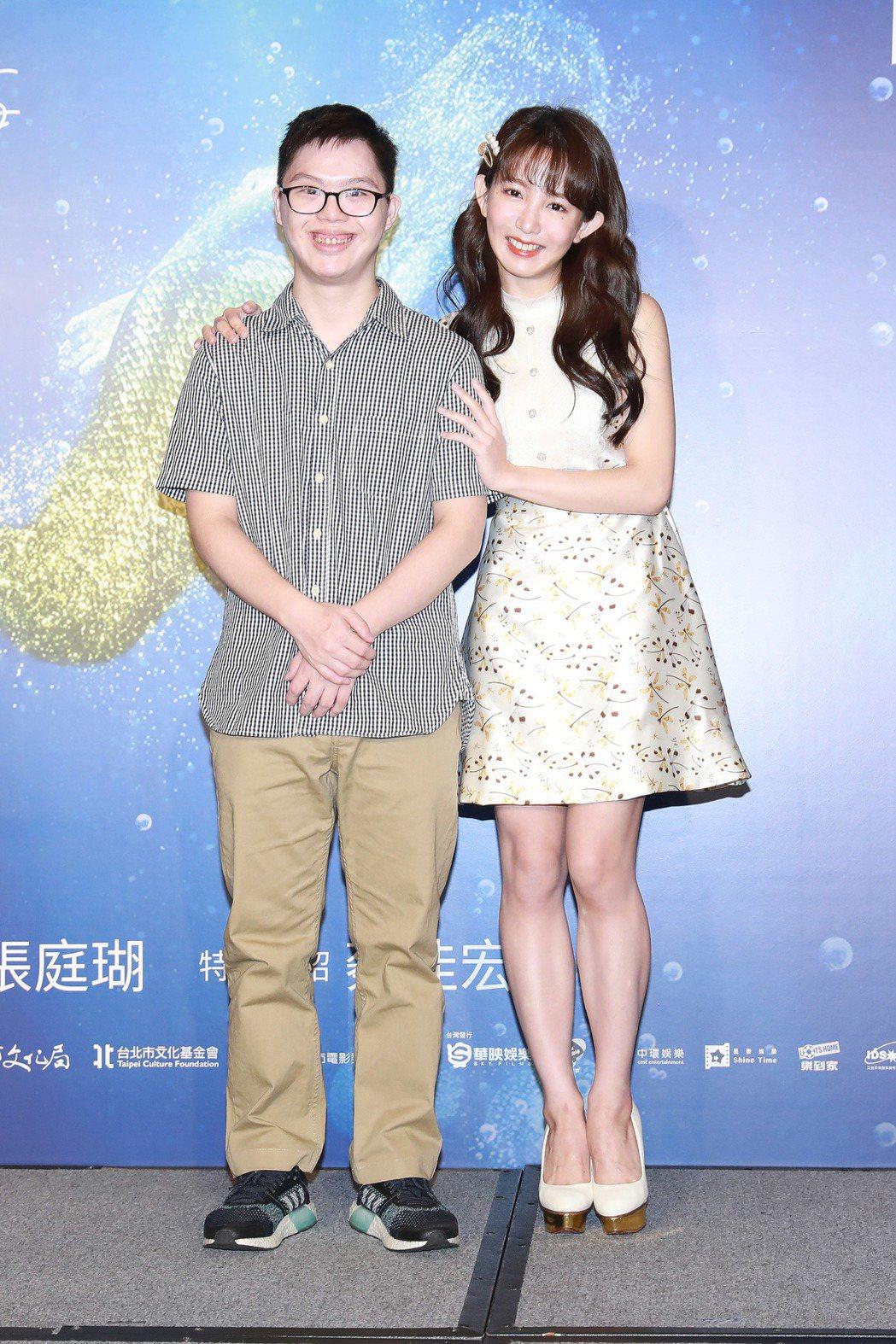 郭書瑤(右)與唐寶寶演員蔡佳宏(左)在「傻傻愛你,傻傻愛我」有相當精彩的合作。圖...