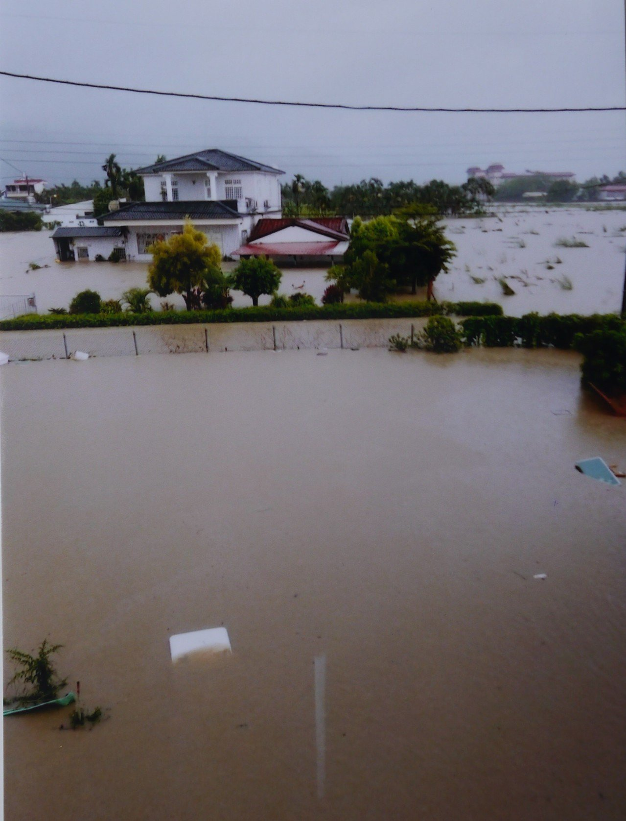 去年823水災,「醮廠下」聚落一片汪洋。記者徐白櫻/翻攝