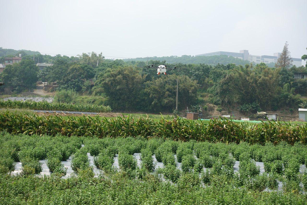 苗縣推展無人機 無人植保機可望應用農業領域