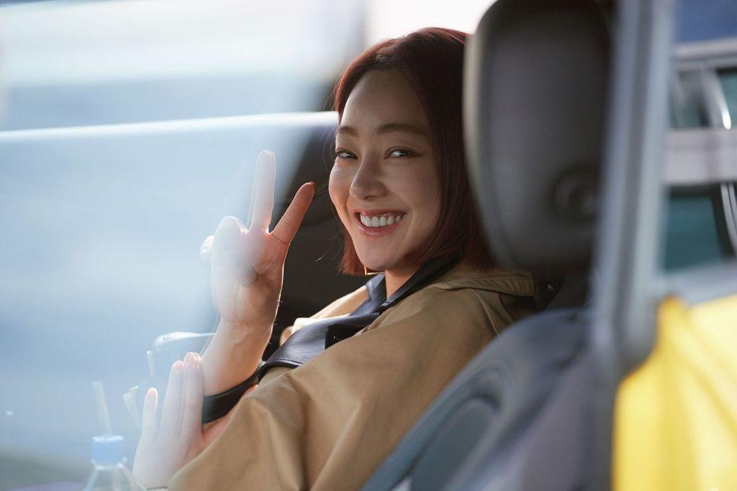 徐孝琳在「讓開吧,命運」中首次擔綱女主角。圖/中天娛樂台提供