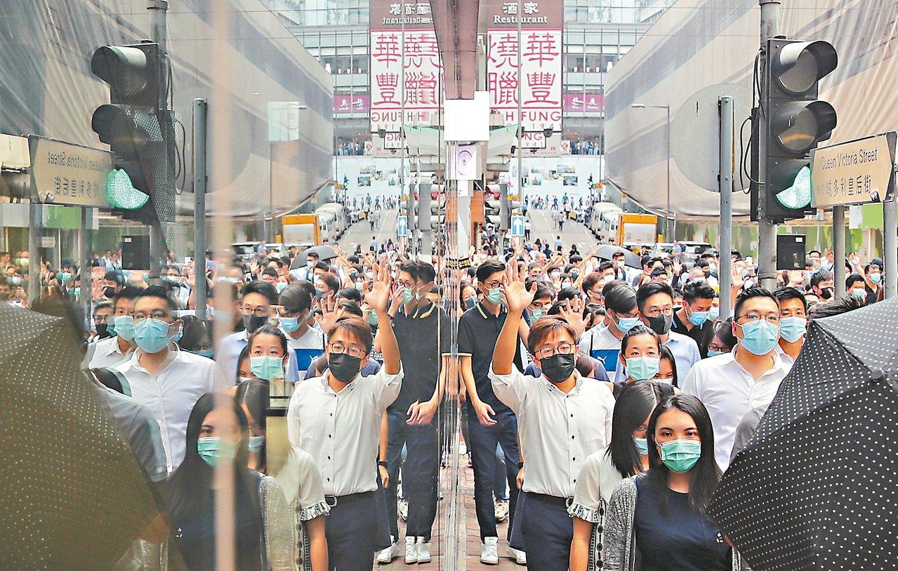 「緊急法」上不封頂…打開潘朵拉盒子 香港回不去了