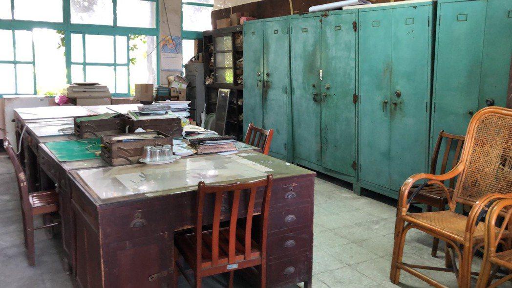 電影中老師張明暉、殷翠涵,就在此辦公室辦公。記者江國豪/攝影