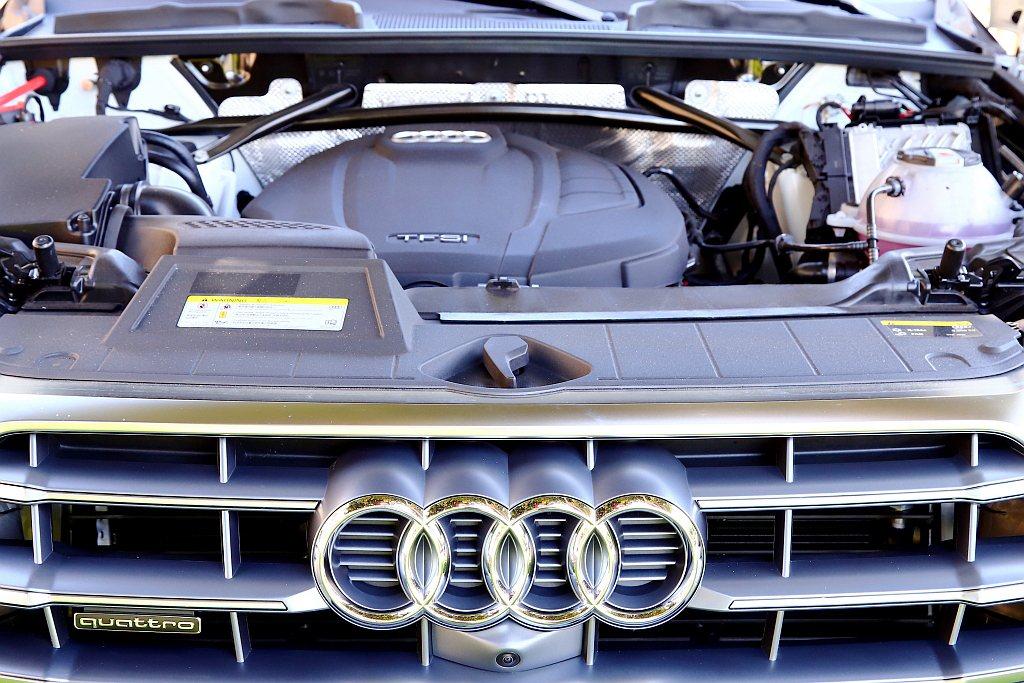 Audi Q5 45 TFSI quattro搭載2.0L TFSI直列四缸渦輪...