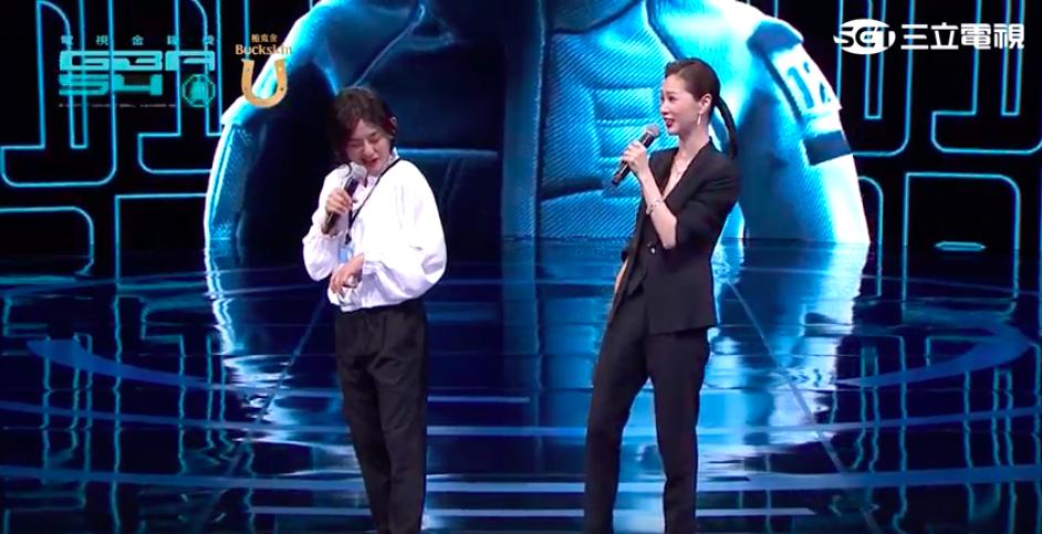 黃子佼(左)與謝盈萱串場主持時,爆出吳宗憲已經離場。圖/摘自網路