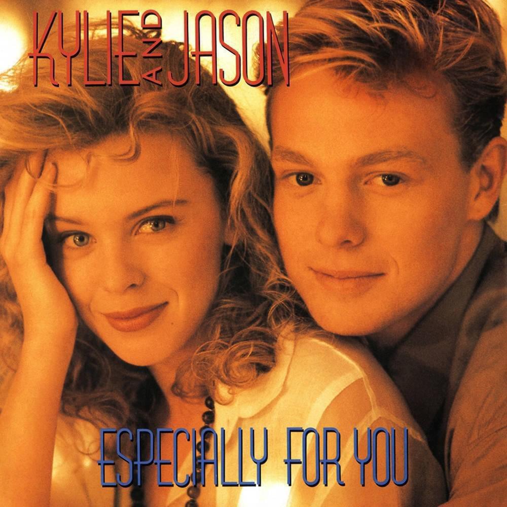 傑森唐納文和凱莉米洛曾被配成螢幕情侶,私下也曾交往。圖/翻攝自YouTube