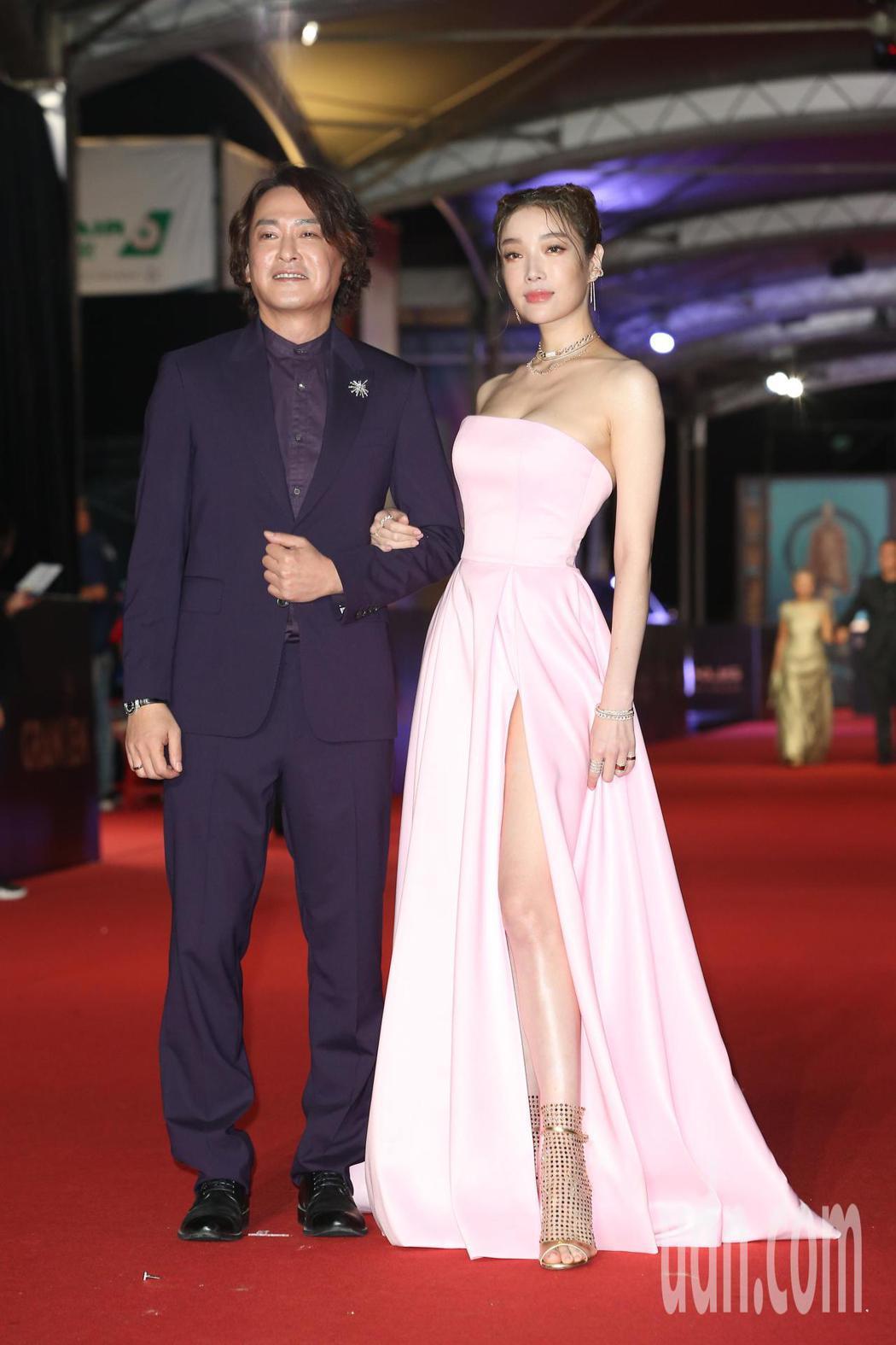 王識賢(左)、蔡淑臻走星光大道。記者陳立凱/攝影