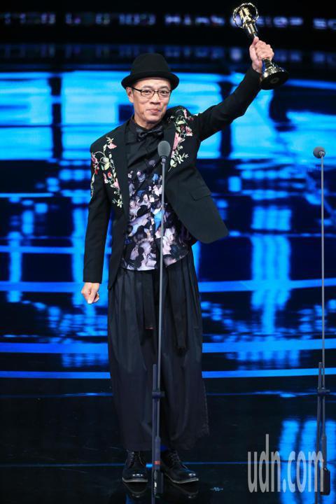 金鐘54,吳朋奉獲獲迷你劇集(電視電影)男主角獎。