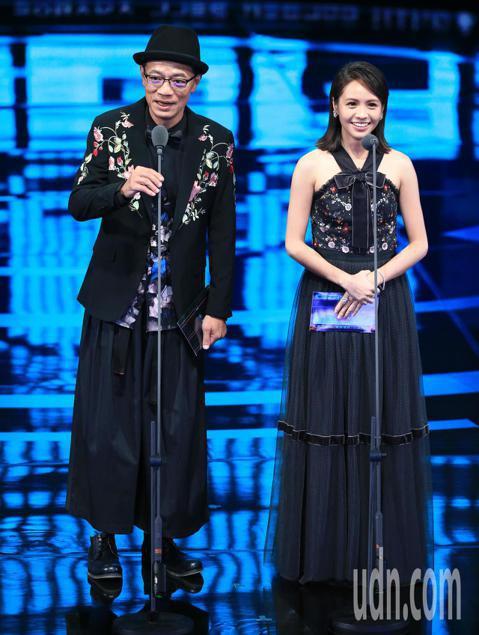 吳朋奉、黃姵嘉擔任頒獎人。