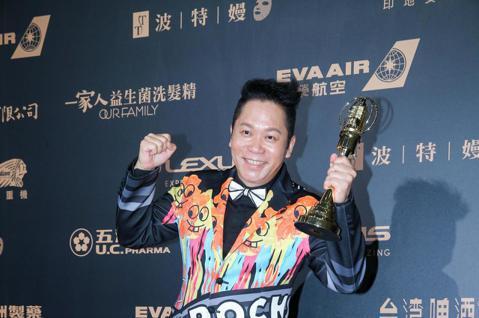 第54屆電視金鐘獎綜藝節目主持人獎由黃子佼、卜學亮以超級同學會獲得。