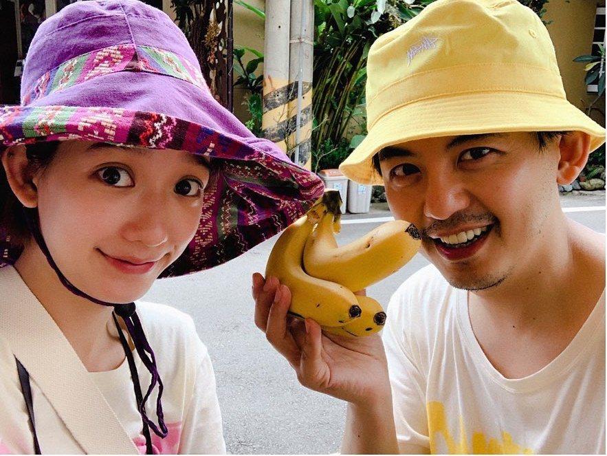 黃子佼(左)與孟耿如將結婚。圖/摘自臉書