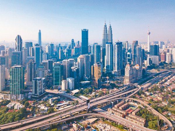 馬來西亞經濟持續成長,第2季達4.9%,加上美中貿易戰讓外資投資翻倍,且馬國政府...