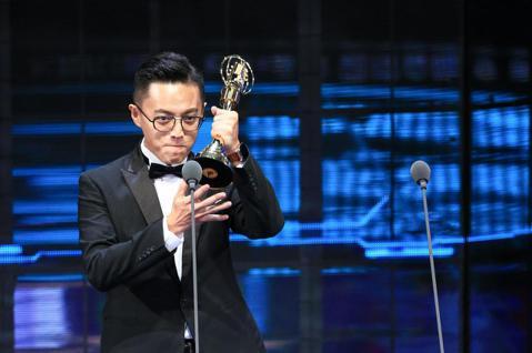 金鐘54/戲劇節目導演獎 林君陽以我們與惡的距離獲戲劇節目導演獎 。記者林伯東/攝影