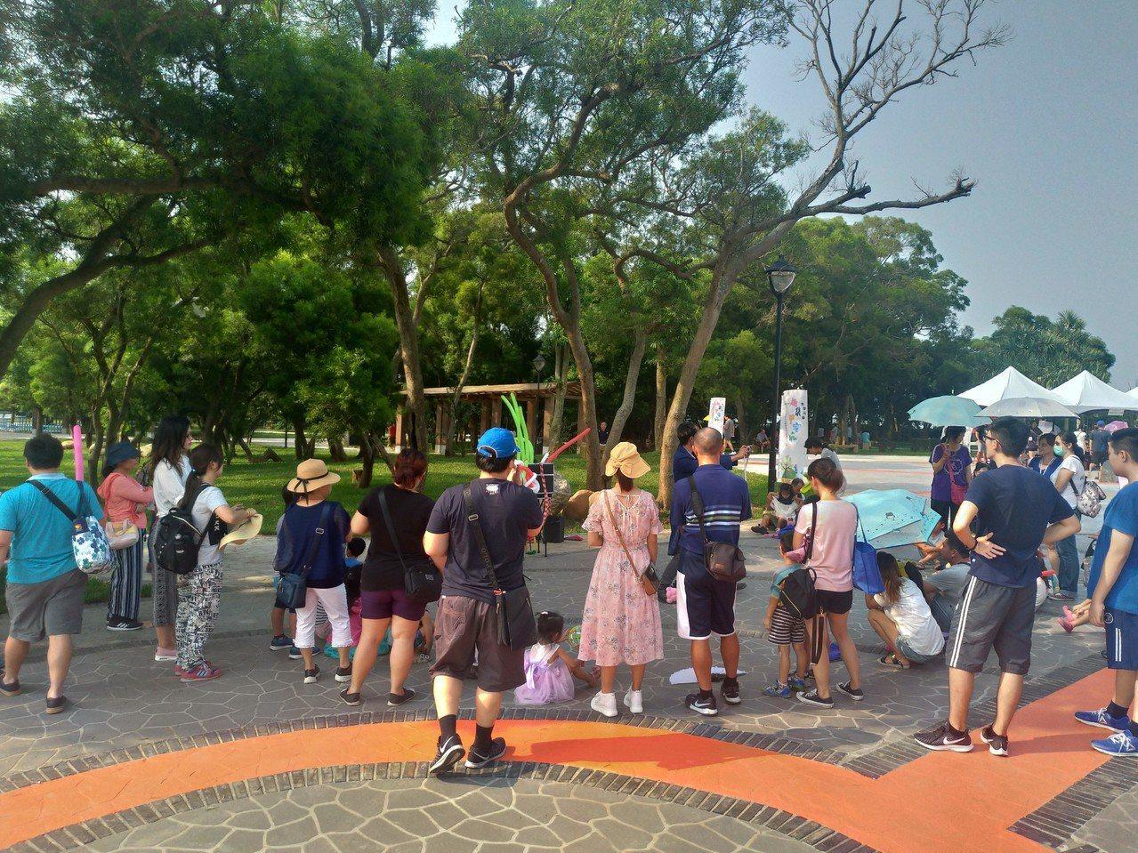 大甲鐵砧山雕塑公園改造變身 假日吸引親子人潮來