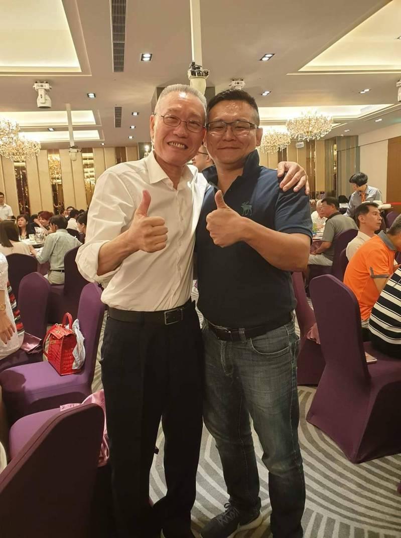 胡志偉曾經與名嘴吳國棟合照,他說,合照不代表就是相同政治理念,不要牽扯別人。圖/胡志偉提供