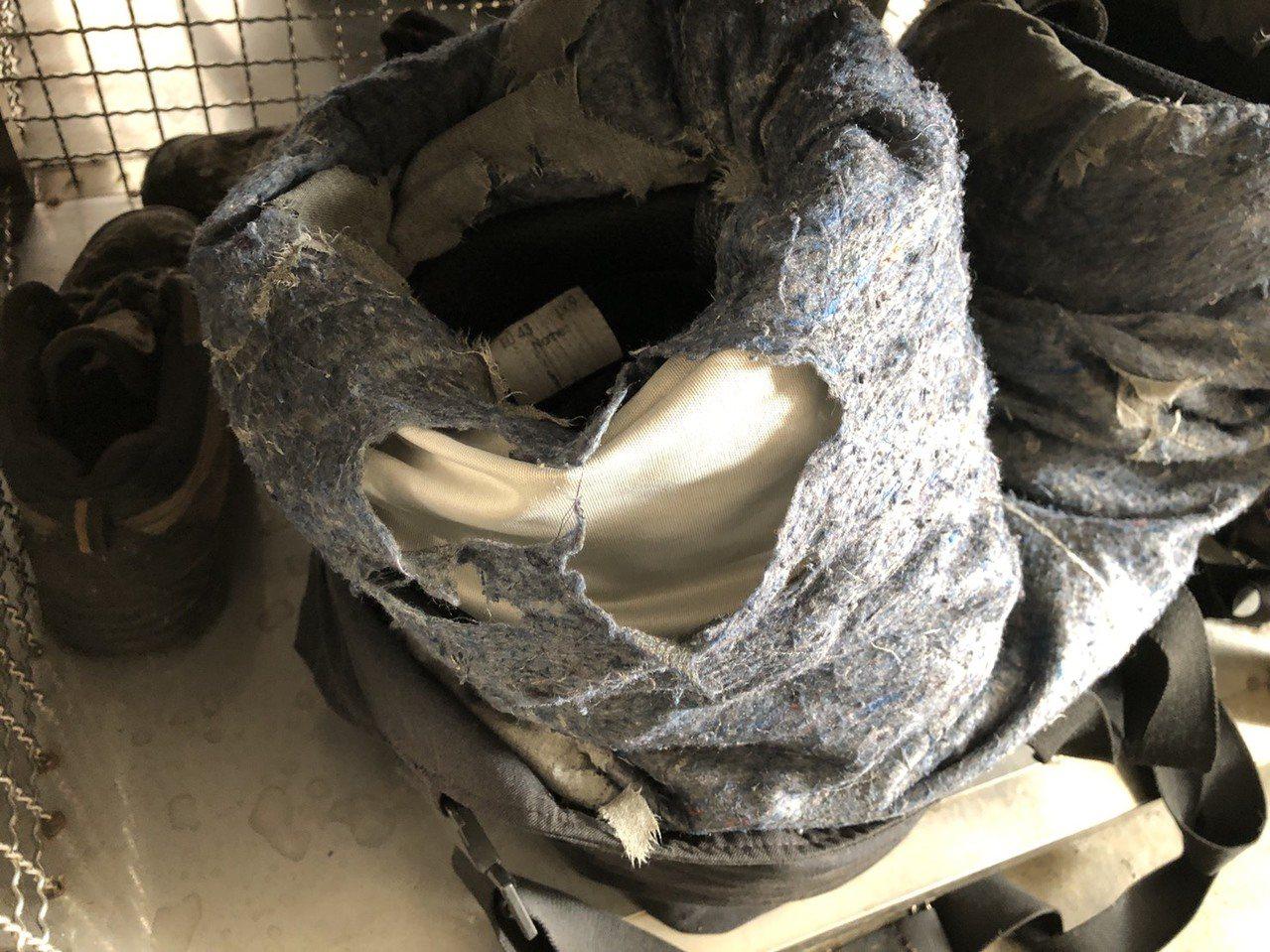 基層消防員投訴反應的消防褲內部破到整片隔熱層棉絮外露,甚至連隔熱層都磨到不見,直...