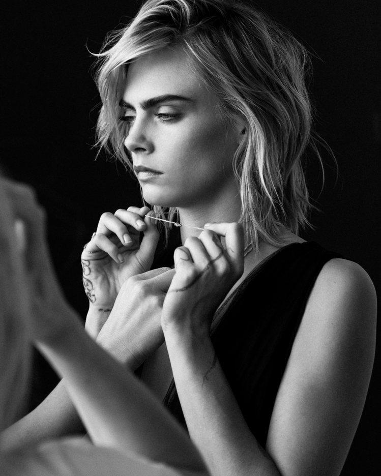 Dior邀請了超模卡拉Cara Delevingne成為珠寶代言人。圖/Dior...