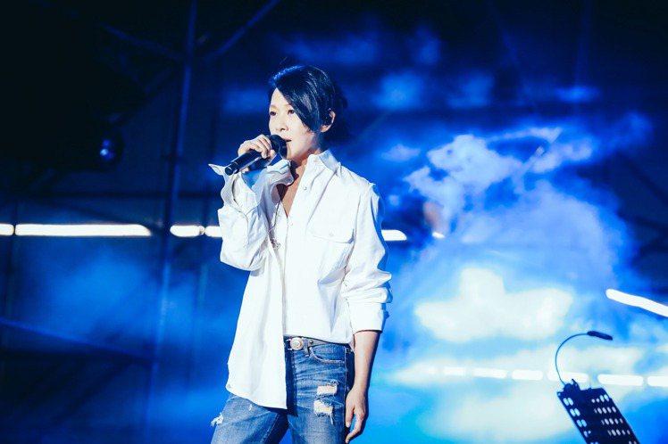 劉若英4度參與簡單生活節,5日擔任上海簡單生活節「夢想舞台」壓軸嘉賓,有別以往挑選了其他歌手的作品,她說很多歌都唱出了自己的心聲,像是五月天「頑固」的歌詞「如果你能預知這條路的陷阱 我想你依然錯得很...