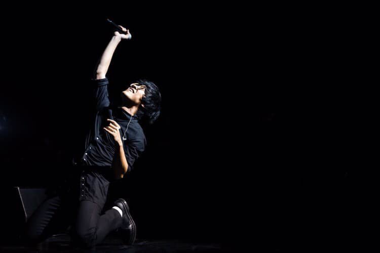 盧廣仲昨晚於新加坡舉辦「大人中」世界巡演。圖/摘自臉書