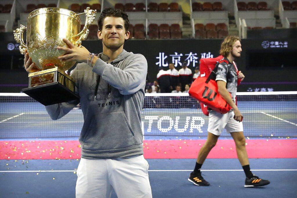 奧地利名將汀恩(左)決賽擊敗希臘新星西西帕斯(右),捧回生涯首座ATP500冠軍...