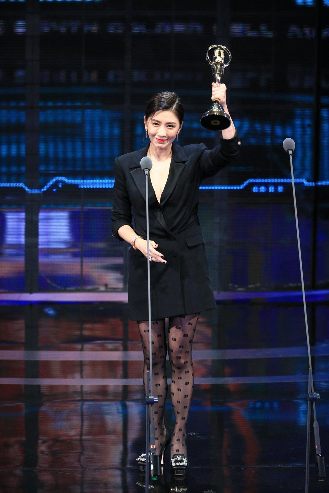 賈靜雯以我們與惡的距離獲得第54屆金鐘獎戲劇節目女主角獎。記者林伯東/攝影