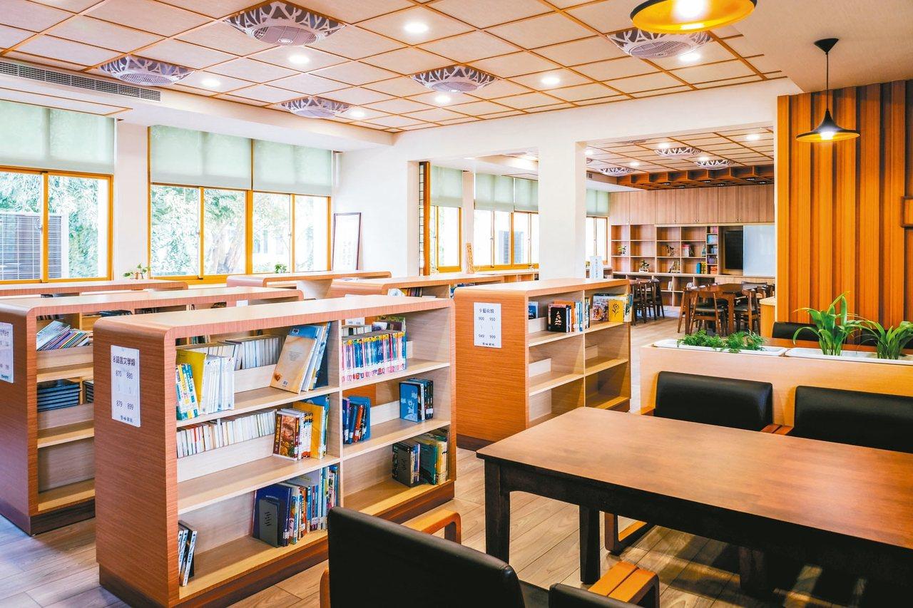 屏東縣里港國小社區共讀站,讓學生愛上圖書館。 圖/教育部提供