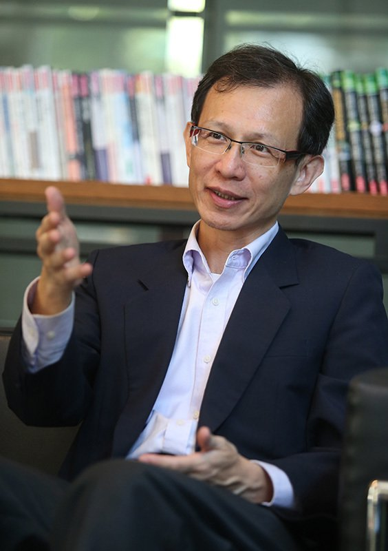 冠德建設資訊處協理林文彥認為華碩電腦的品質、服務、價格都能滿足公司不同部門的多元...