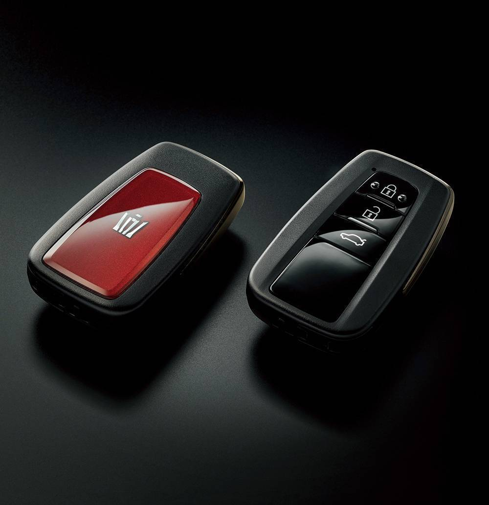 Crown Sport Style專屬配色的鑰匙。 摘自Toyota