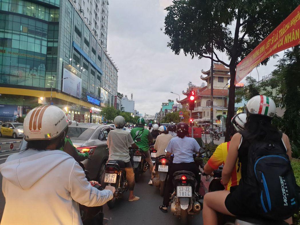 快速發展的「越南」成為投資客置產首選。圖/21世紀不動產提供