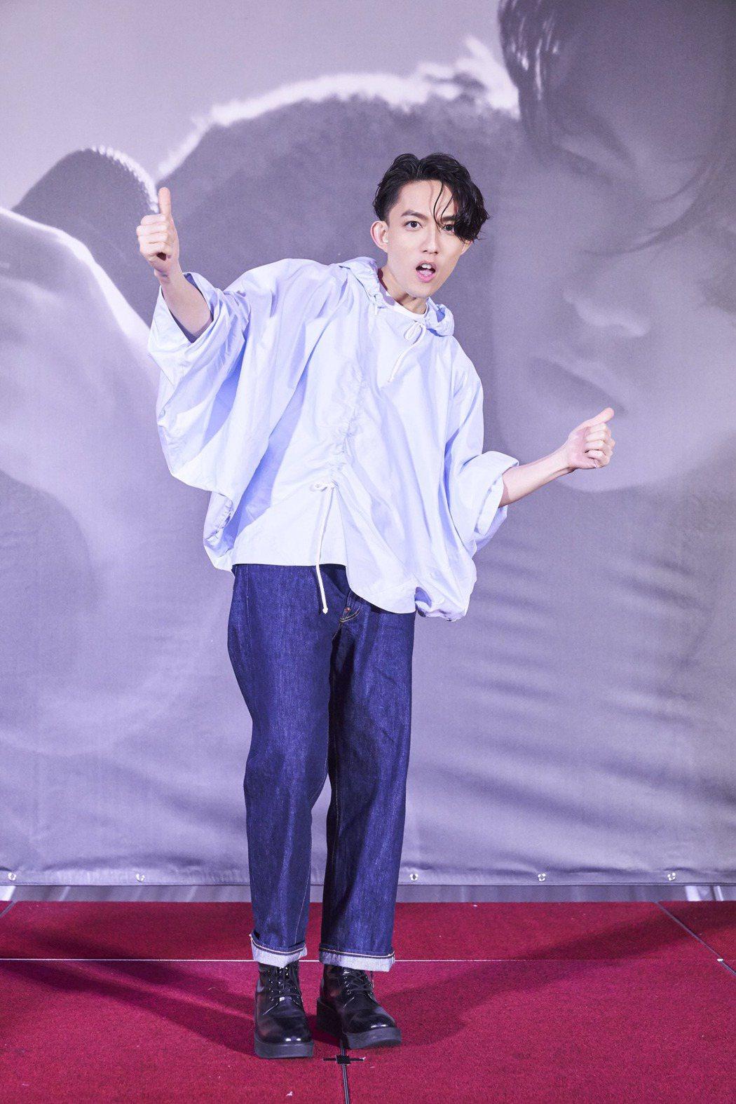 林宥嘉昨晚結束「idol」世界巡演高雄場,開心慶功。圖/華研提供
