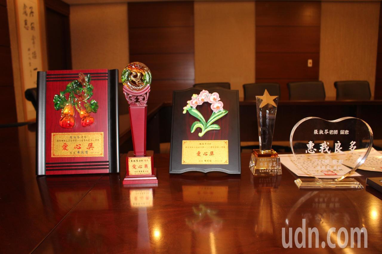 光復中學國文老師張淑芬教學生涯中榮獲許多獎項。記者張雅婷/攝影