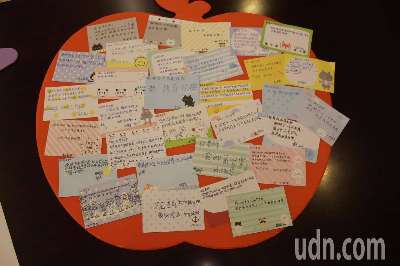 光復中學國文老師張淑芬是今年竹市366位教師接受表揚中,唯一私立學校獲選特殊優良...