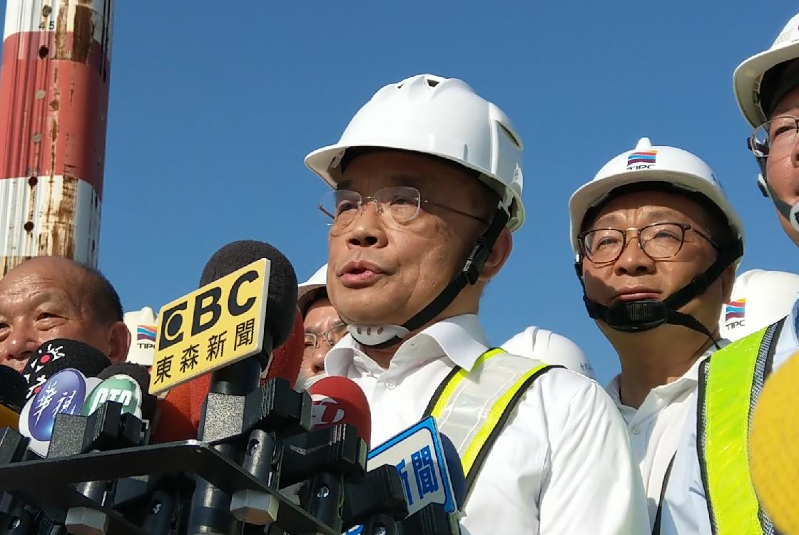 行政院長蘇貞昌酸韓國瑜,才當市長幾個月,就請假去選總統,倒是沒看過。記者戴永華/...
