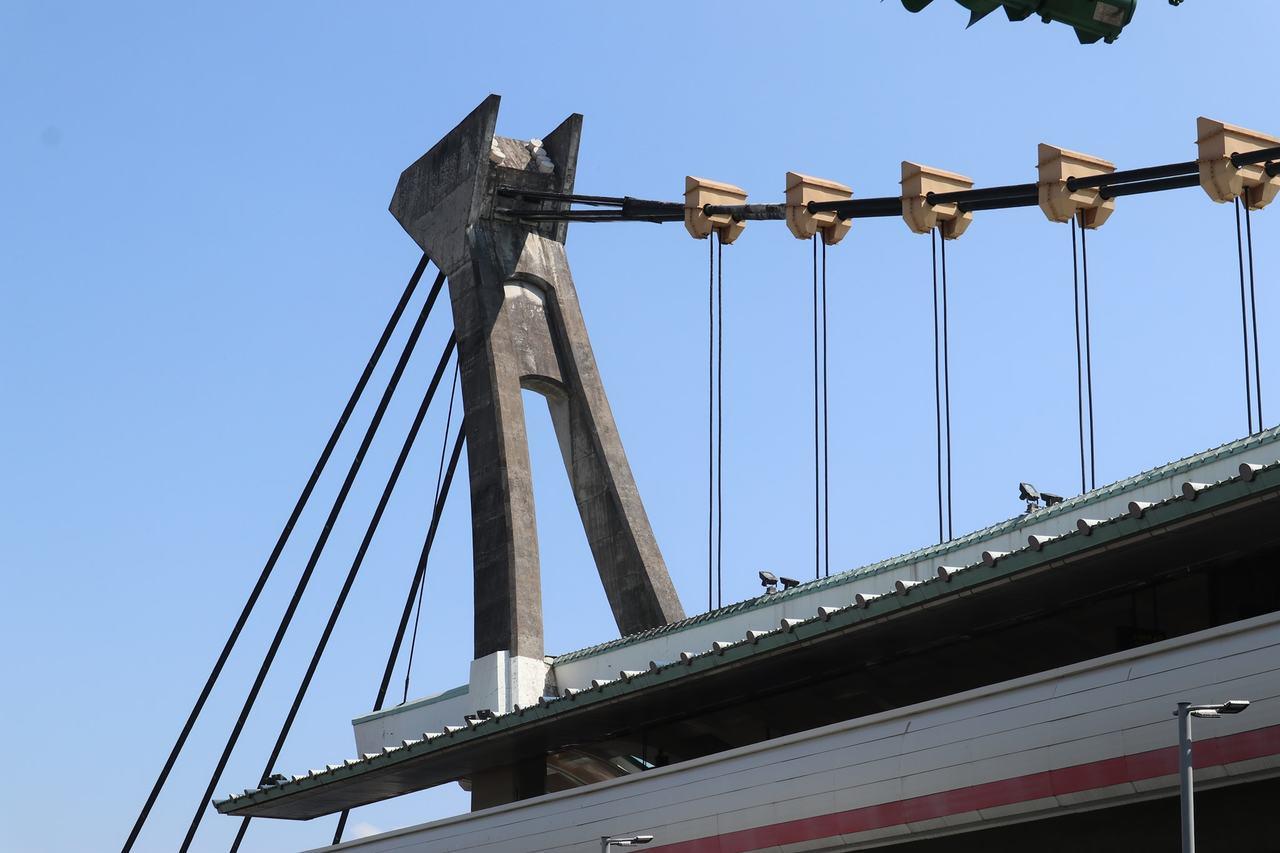 南方澳吊橋斷 丁守中:劍潭站懸吊式屋頂也欠維護