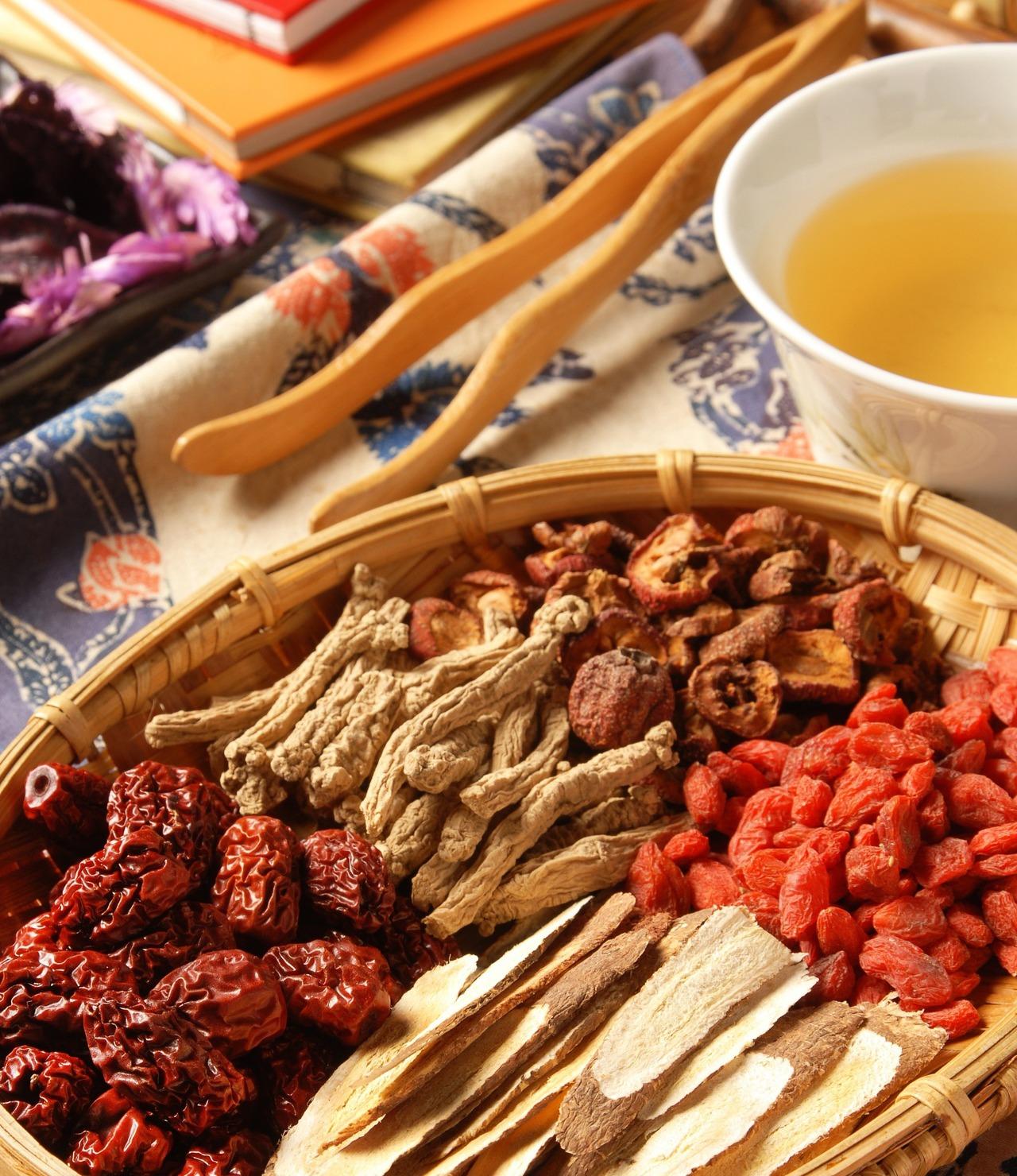 藥酒自古即有,也是中醫治療疾病的特色之一。 圖/123RF