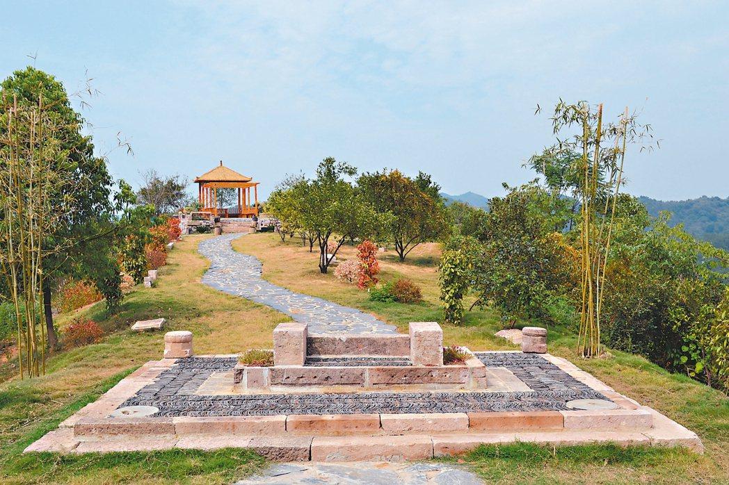 太和鎮陳太村保留古屋地基與建物,成為公園造景。 特派員王玉燕/攝影