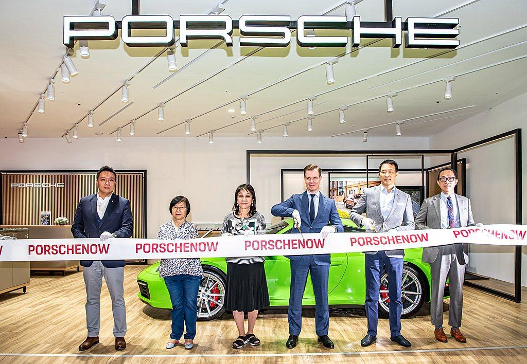 Porsche NOW概念以及元素所打造的全新型態概念店正式進駐時尚地標新光三越...