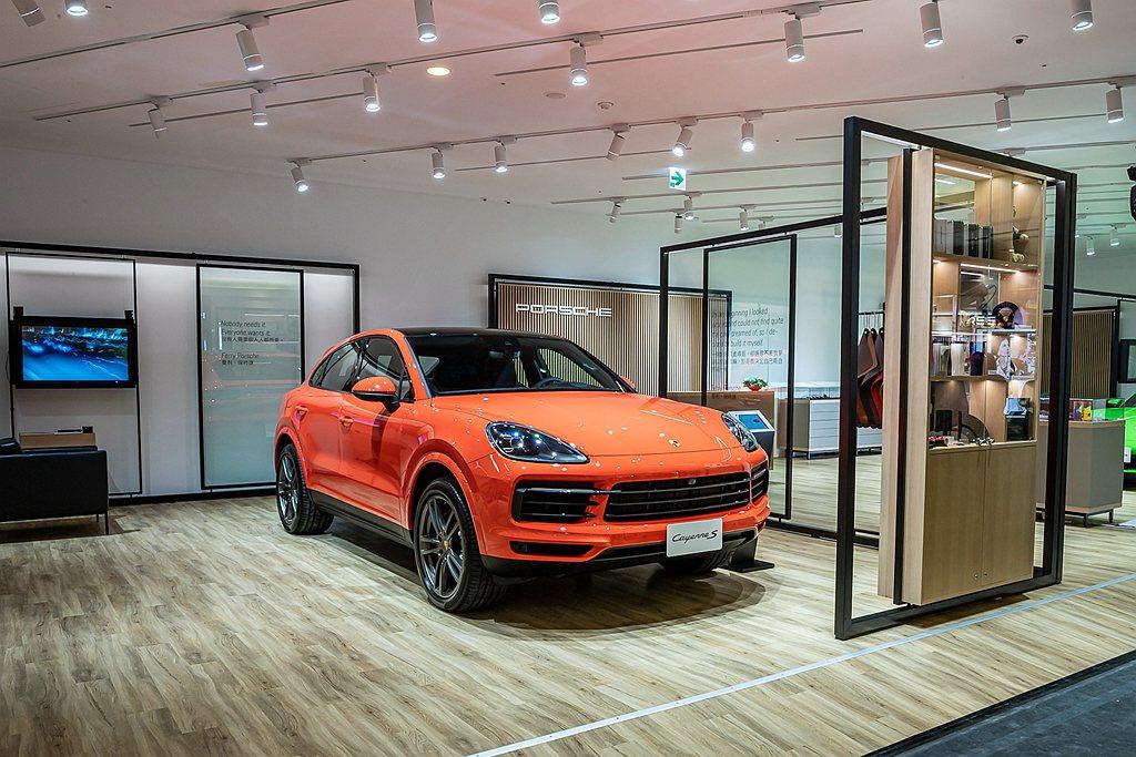 Porsche NOW概念店,突破汽車品牌經銷據點的傳統形式,建置概念店於精品購...