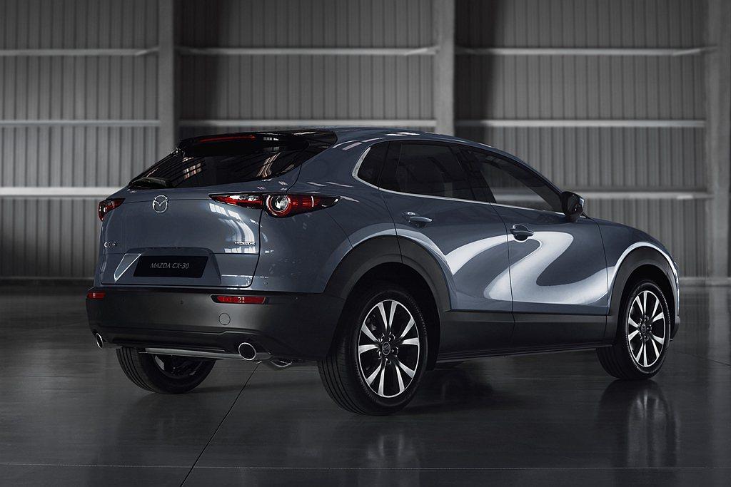 Mazda CX-30引進「極境灰」車色,讓消費者擁有更多元的選擇。 圖/Maz...