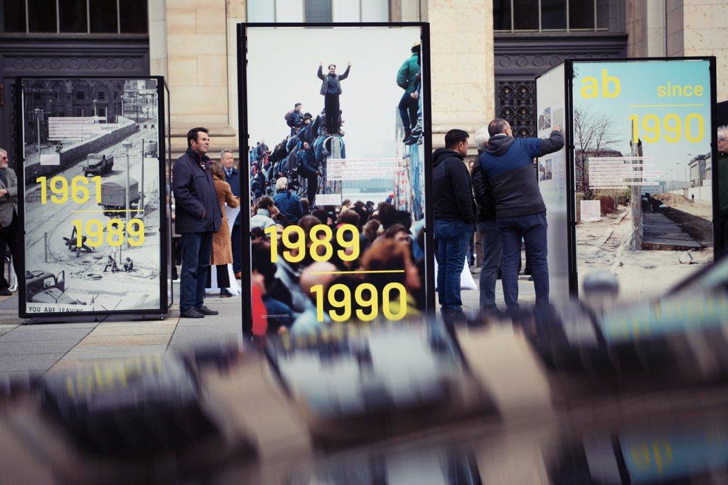 柏林圍牆倒下,在今年11月9日將屆滿30年。走過那段歷史的我的母親反而沈重表示,...