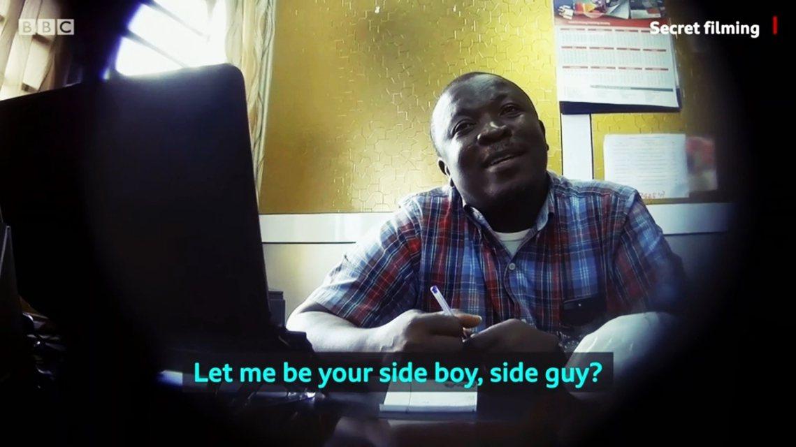 另一起案件在迦納大學。臥底記者假扮為即將畢業的女大生,向校內教師保羅(Paul ...