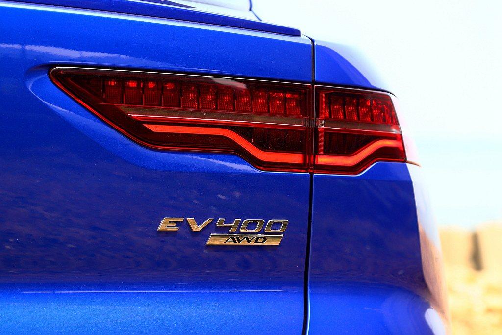 Jaguar I-Pace採用前/後軸雙馬達設定,實現恆時四輪傳動的出色操控表現...