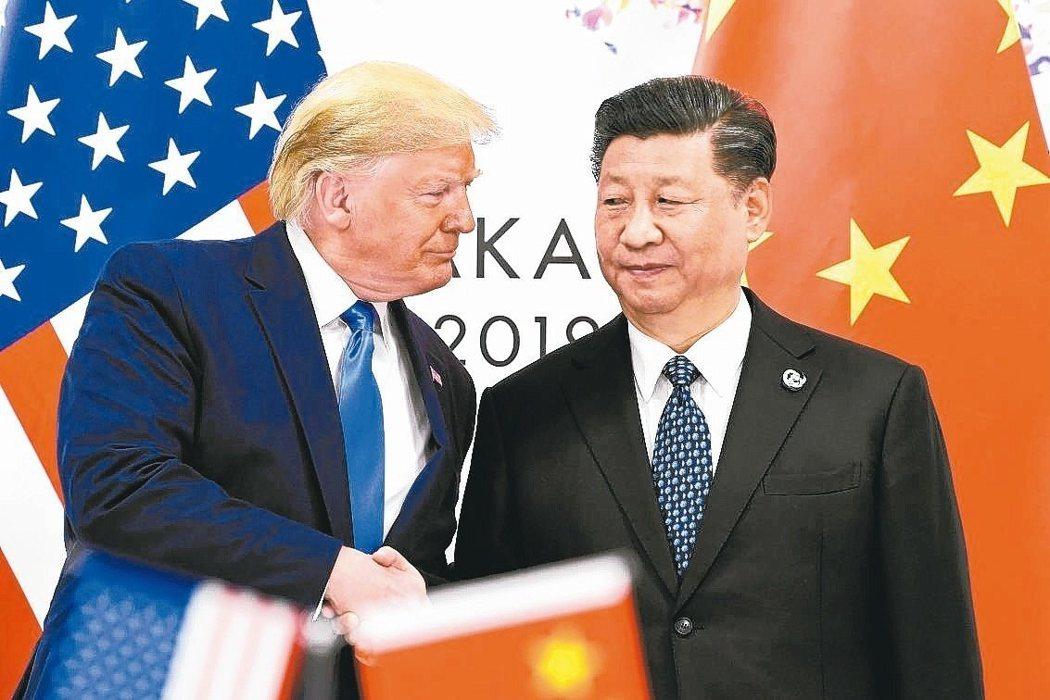 美 川普(左)中 習近平(右)。 美聯社