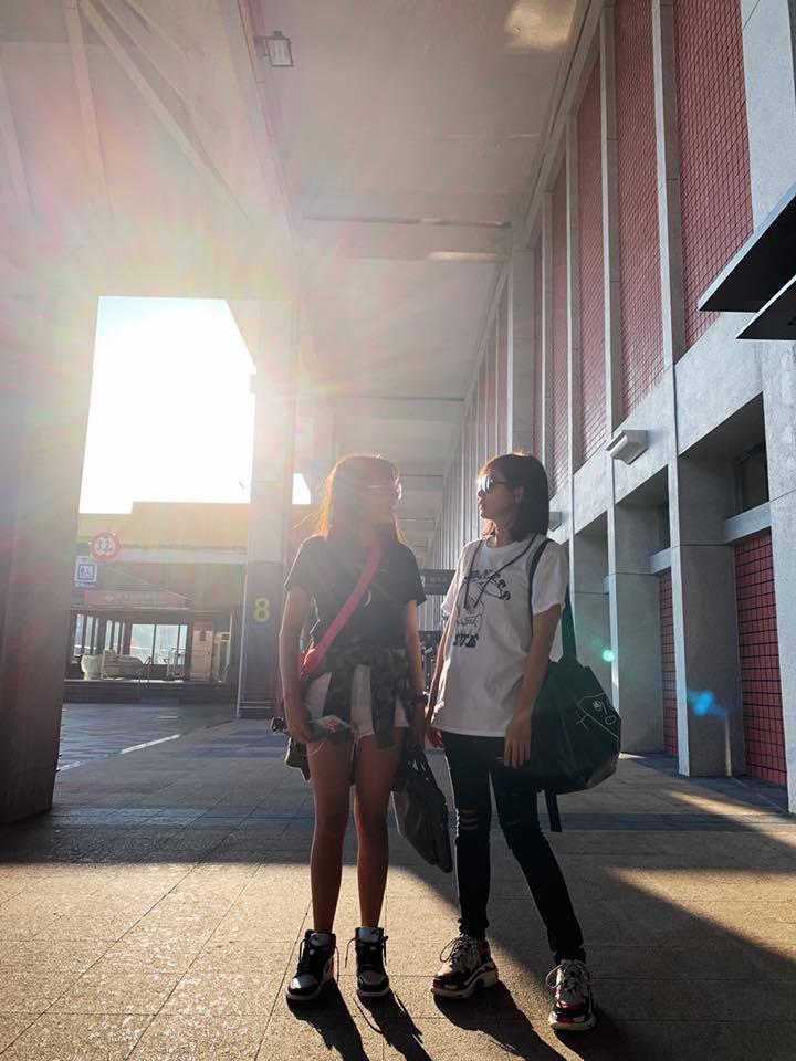 賈靜雯送梧桐妹回上海。圖/摘自臉書
