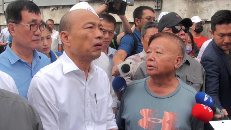 高雄市政府開拆前,地主出面向市長韓國瑜陳情,希望囲拆時不傷及鋼骨。記者王昭月/攝影