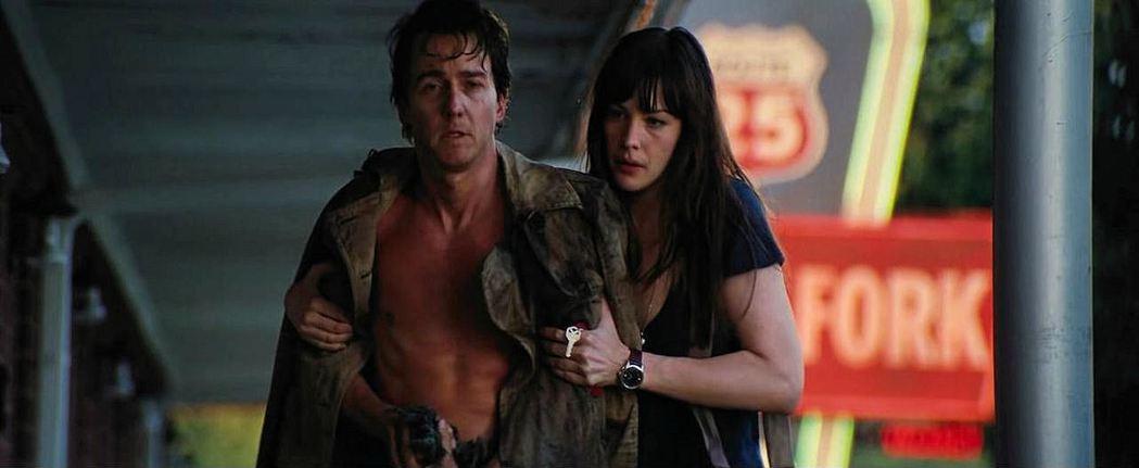 艾德華諾頓與麗芙泰勒主演「無敵浩克」。圖/摘自imdb