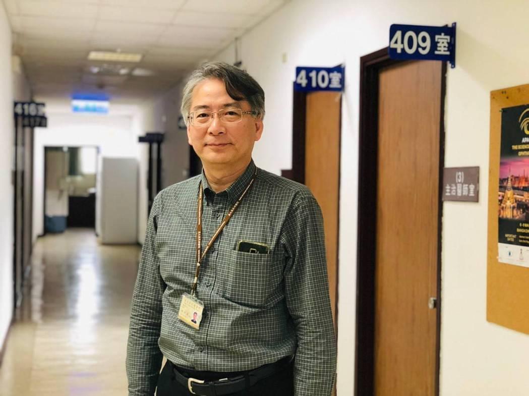 中華民國視網膜醫學會理事長陳世真表示,學會今年首度與布袋戲劇團合作舉行黃斑部病變...