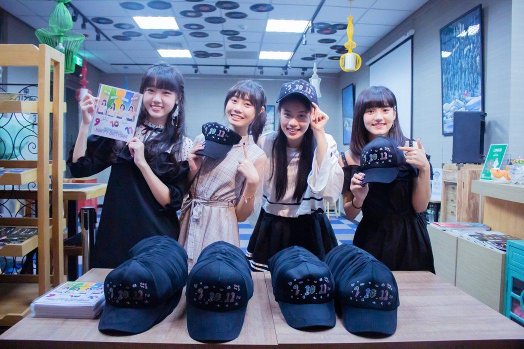 女團「AKB48 Team TP」DIY禮物送給粉絲。圖/好言娛樂提供