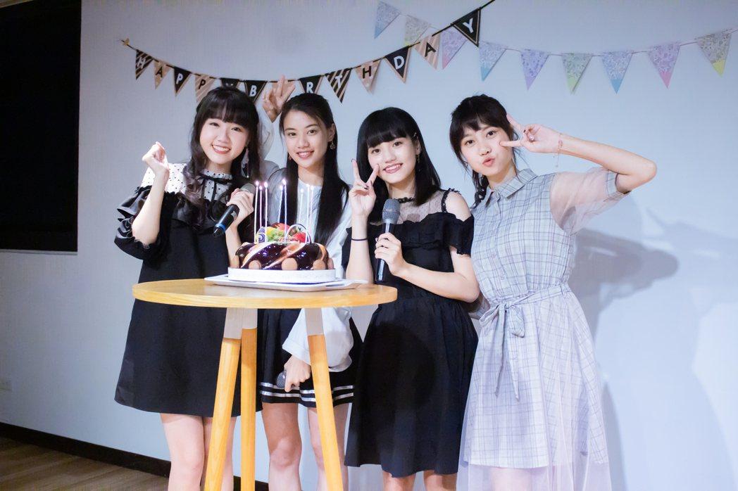 「AKB48 Team TP」成員李佳俐(左起)、高云珏、柏靈、蔡亞恩。圖/好言...