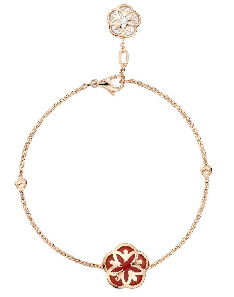 歐米茄Flower系列手鍊,18K紅金、紅玉髓、珍珠母貝,約36,500元。圖/...