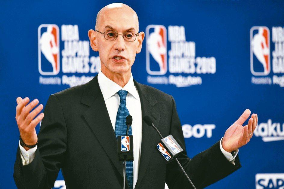 NBA主席席佛(見圖)挺火箭隊總經理莫雷的言論自由,多家陸企也跟進採取抵制行動。...